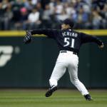 Ichiro fielding 2